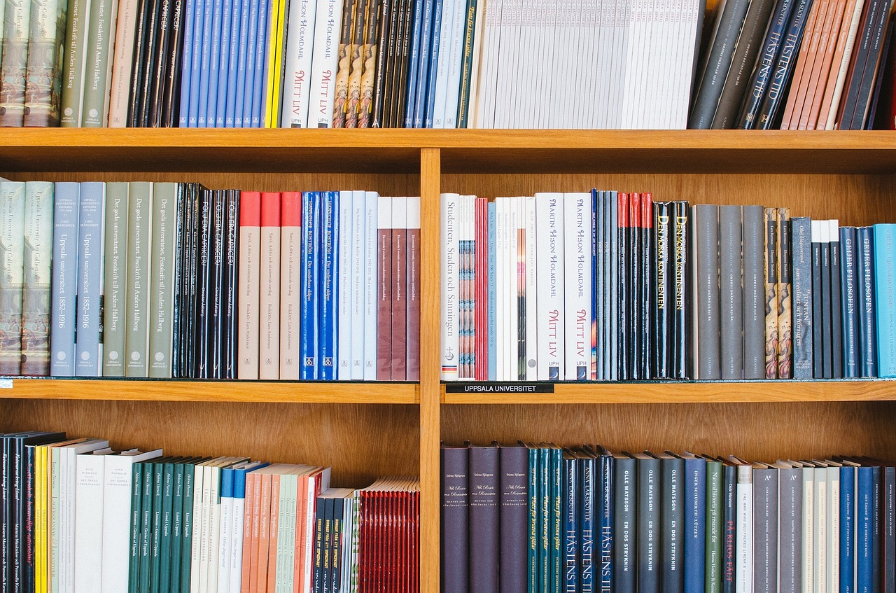 Priporočeni in obvezni učbeniki in delovni zvezki v šolskem letu 2016/2017
