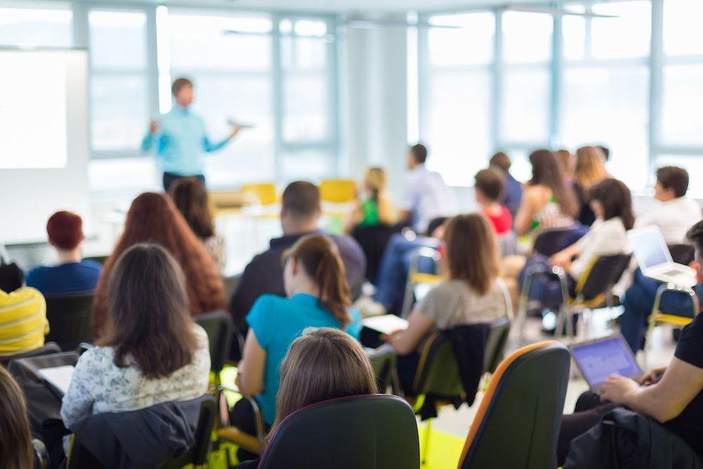 Predavanje o vlogi staršev pri odločanju mladostnikov za študijske programe